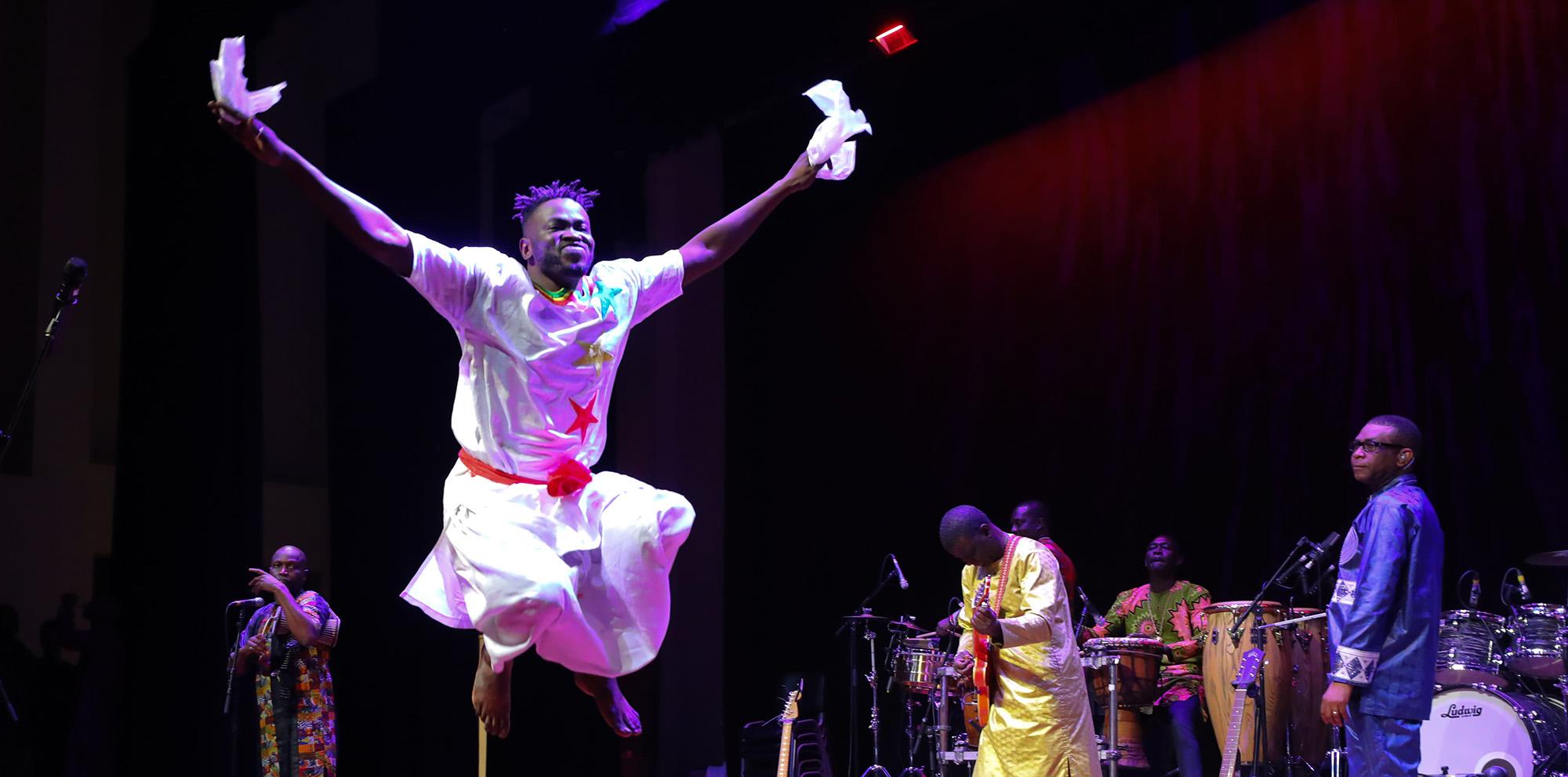 Youssou N'Dour & Le Super Ètoile De Dakar